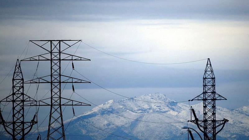 Las mañanas de RNE - La ola de frío dispara el precio de la luz a los niveles más caros de la última década - Escuchar ahora