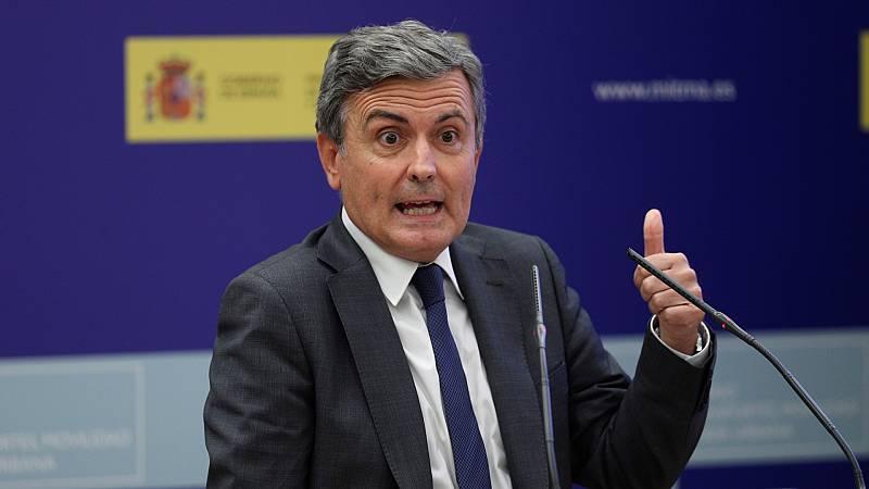 """España a las 8 Fin de Semana - Transportes trabaja en el restablecimiento de Barajas: """"Hay dos pistas despejadas pero los protocolos son muy estrictos"""" - Escuchar ahora"""