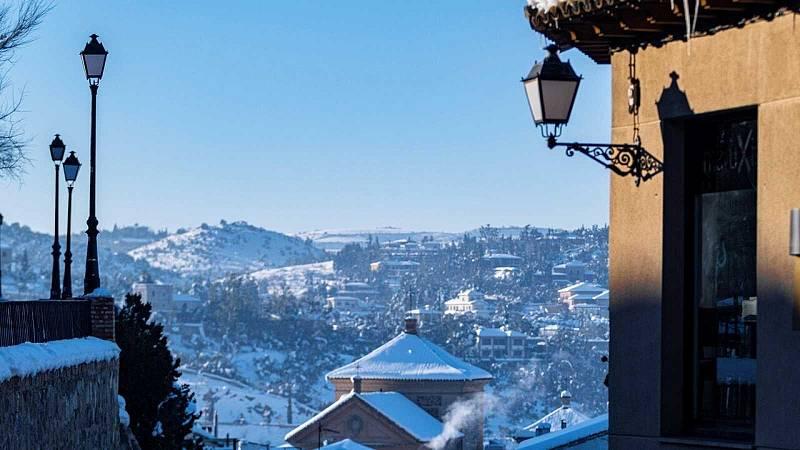 14 horas - 450 carreteras siguen afectadas por la nieve - Escuchar ahora