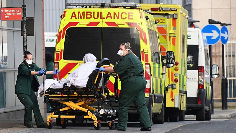 14 horas - Reino Unido instala morgues temporales ante el incremento de muertos por coronavirus - Escuchar ahora