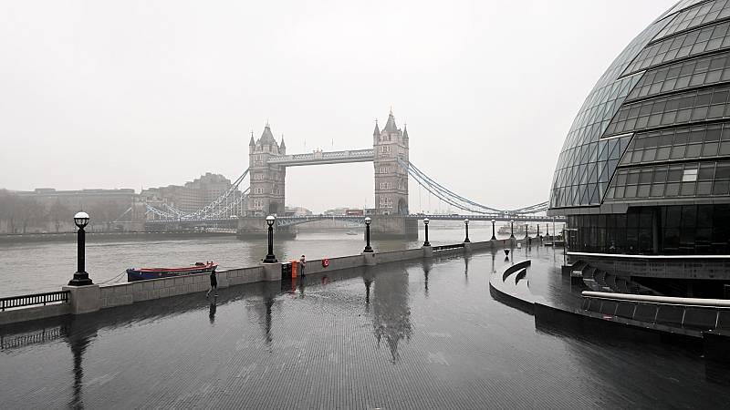 24 horas - Reino Unido registra el máximo de muertes diarias con COVID de toda la pandemia: 1.564 - Escuchar ahora
