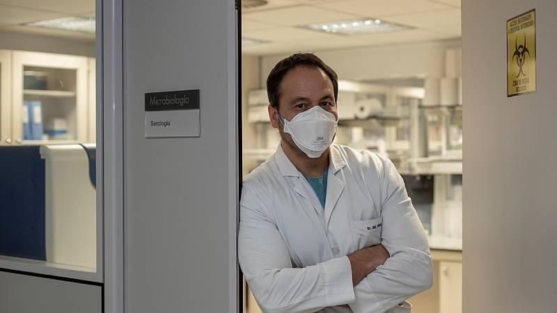 """Microbiólogo:  """"No se está vacunando mal, el problema es que hay pocas vacunas"""" - Escuchar ahora"""