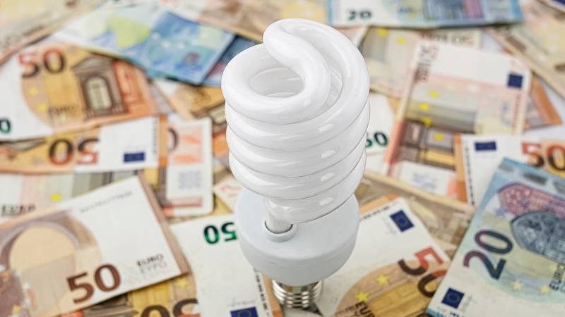 14 horas - Consejos para reducir la factura de la luz en pleno invierno - Escuchar ahora