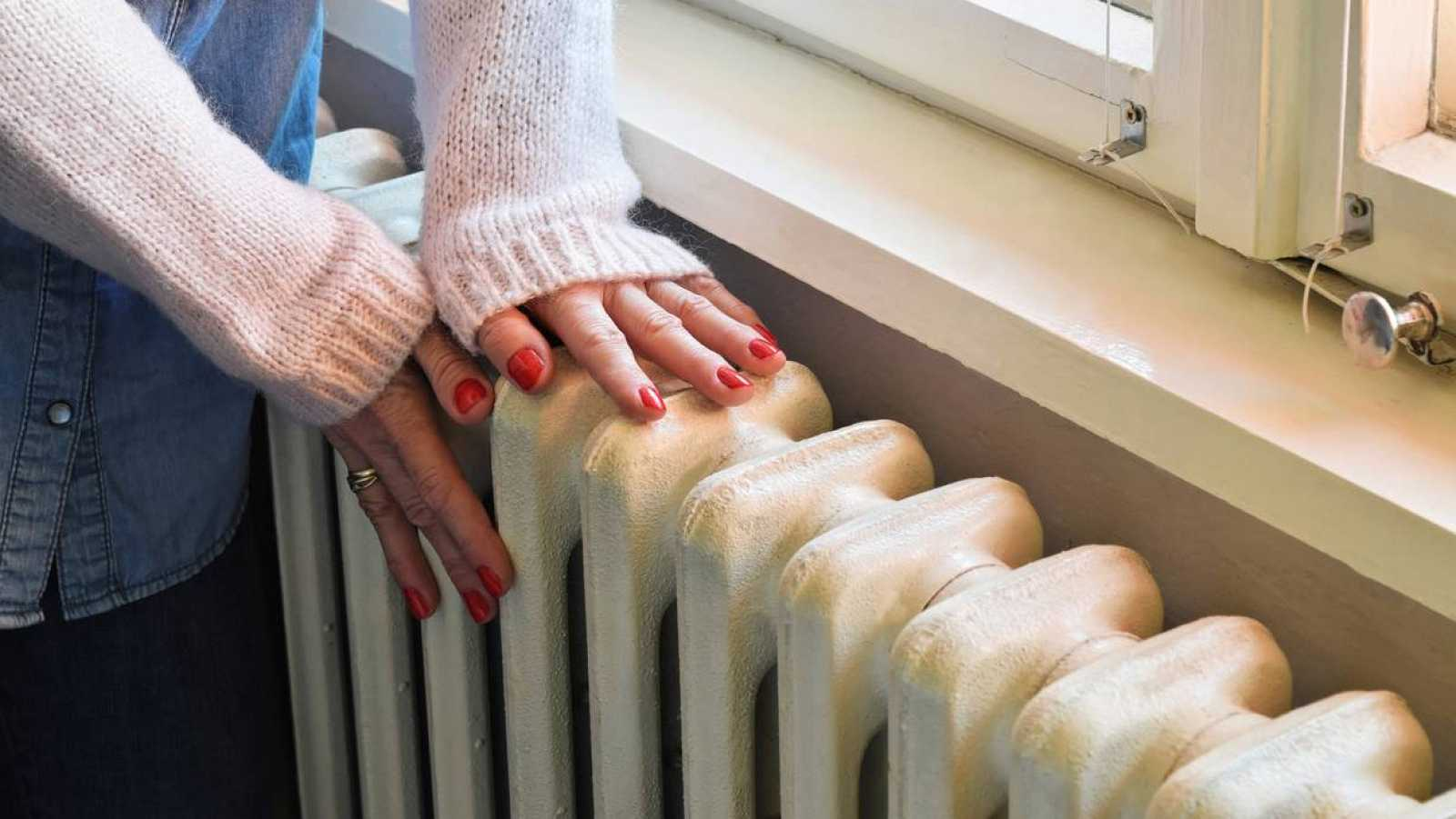 """14 horas - La calefacción, de adorno: """"No podemos pagar la factura"""" - Escuchar ahora"""