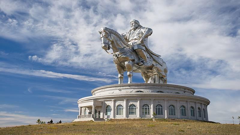 La vuelta al mundo con Miquel Silvestre - Estatua de Gengis Khan - 31/12/20 - Escuchar ahora