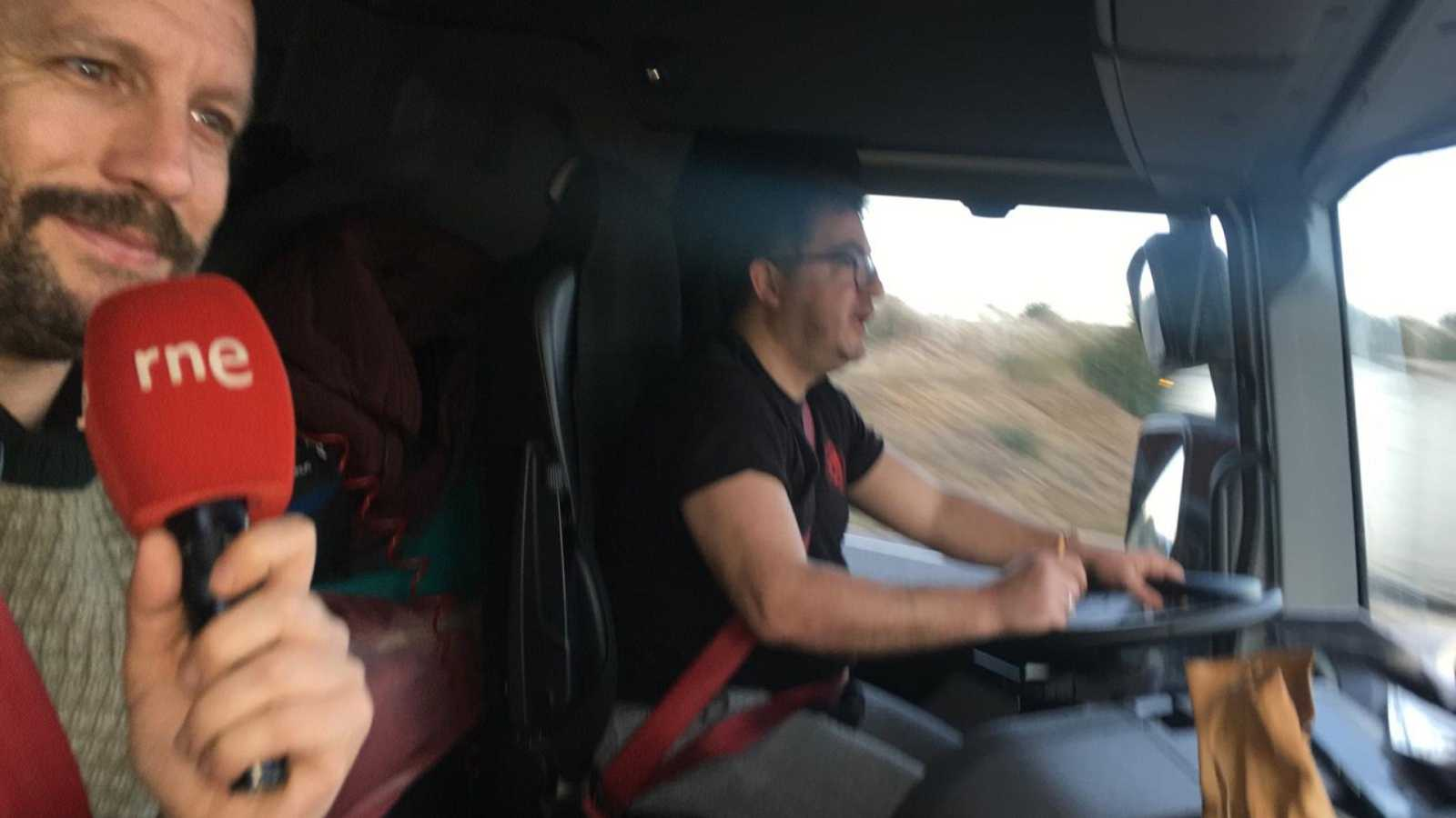 Tarde lo que tarde - Nos subimos a un camión ¿te apuntas? - 14/01/21 - escuchar ahora