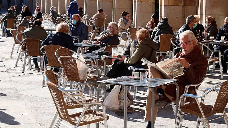14 horas - Castilla y León adelanta el toque de queda a las 8 de la tarde a partir de mañana - Escuchar ahora