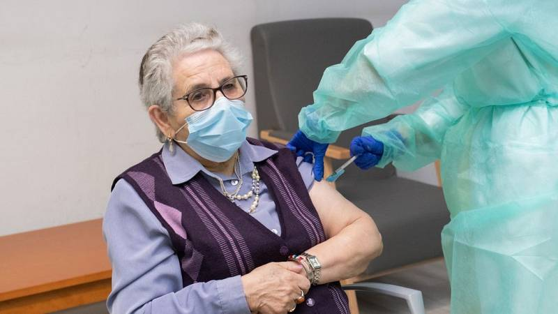 14 horas Fin de Semana - Casi Inmunizados: comienza la 2ª fase de vacunación - Escuchar ahora