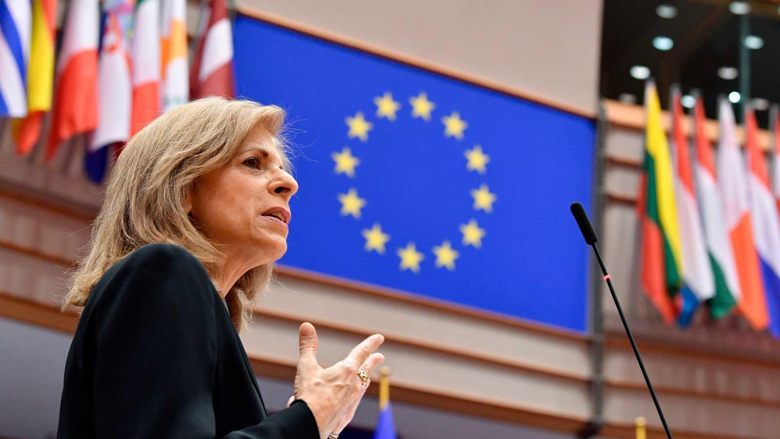Boletines RNE - Bruselas insta a los países miembro a acelerar el proceso de vacunación - Escuchar ahora