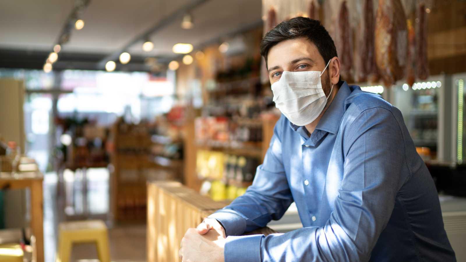 Más cerca - 700.000 empleos se han perdido en 2020 por la pandemia - Escuchar ahora