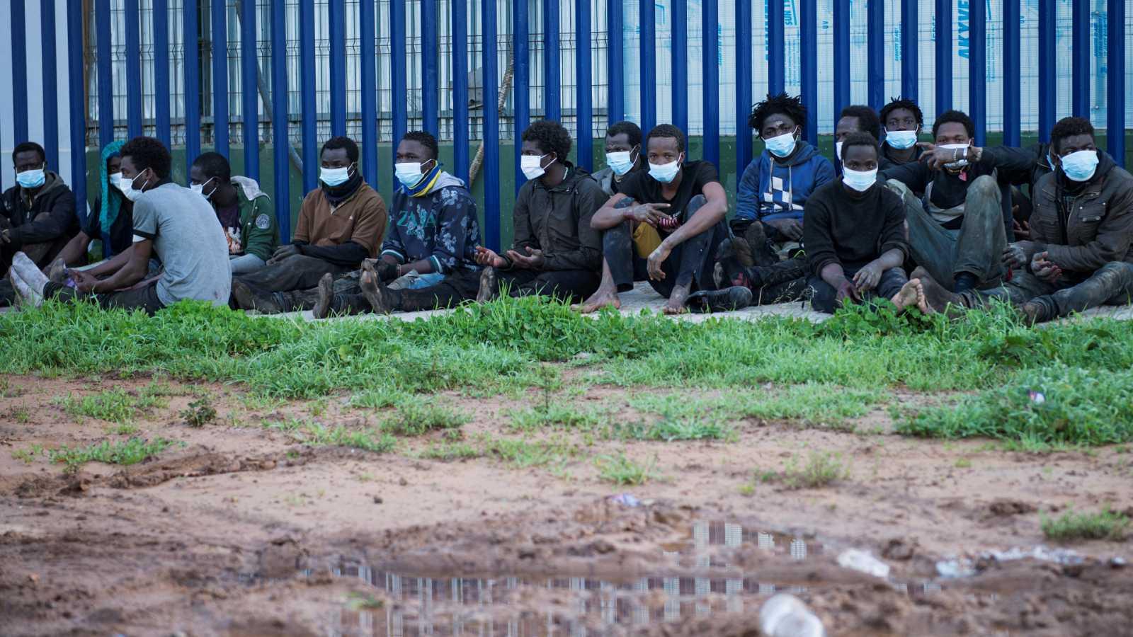 24 horas - Salto masivo en la valla fronteriza de Melilla - Escuchar ahora