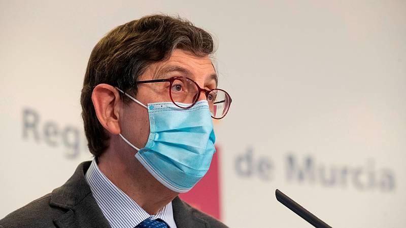 24 horas - La vacunación del consejero de Salud de la Región de Murcia abre una brecha en el gobierno de coalición - Escuchar ahora