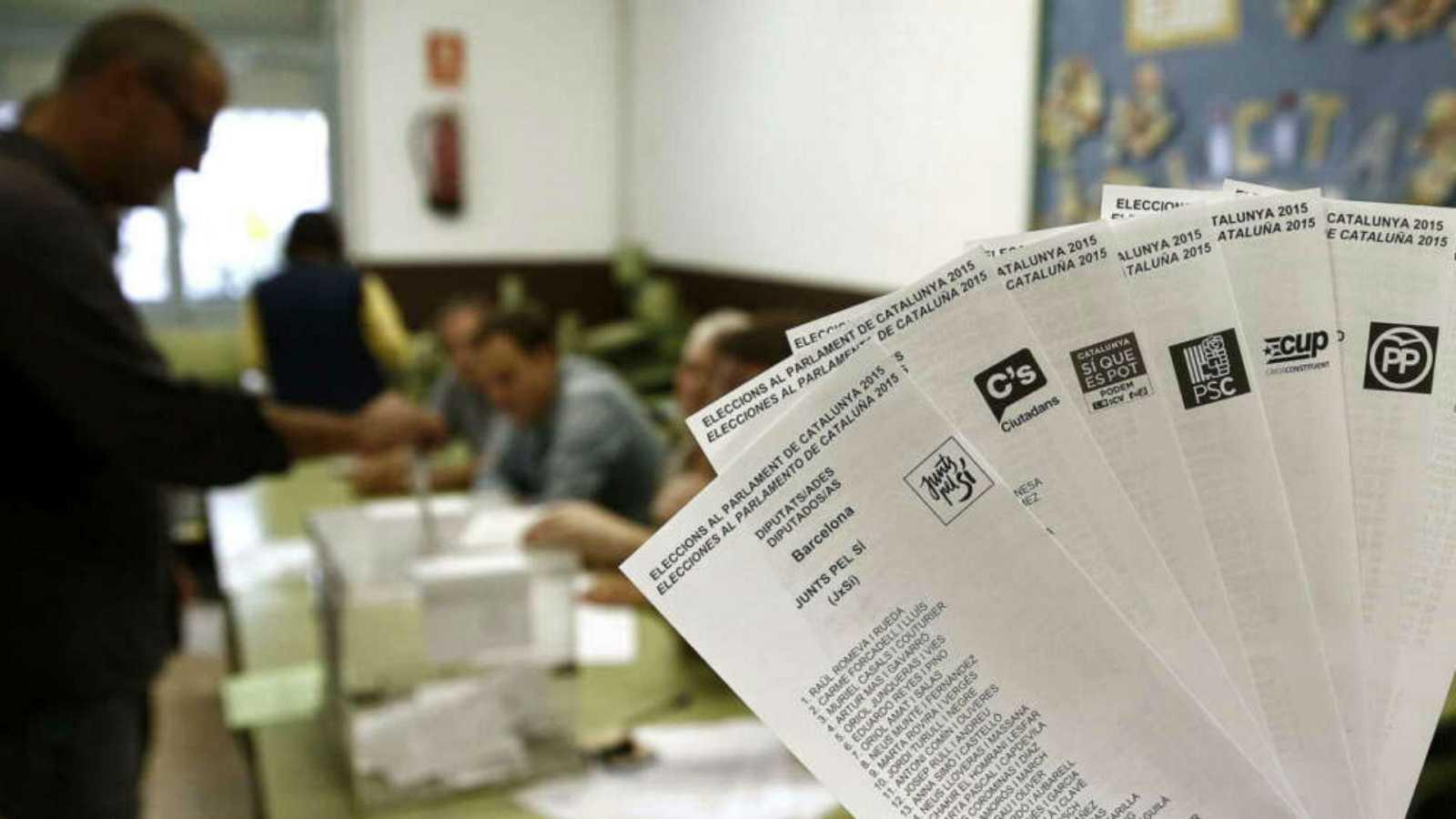 Las mañanas de RNE con Íñigo Alfonso - Dos de cada tres catalanes desaprueban al Govern y el procès, según Metroscopia - Escuchar ahora