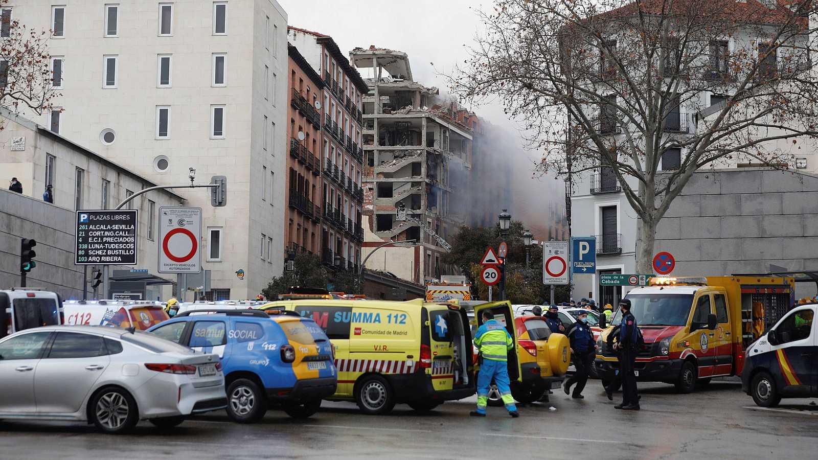 Boletines RNE - Una explosión de gas en el centro de Madrid deja al menos tres fallecidos - Escuchar ahora