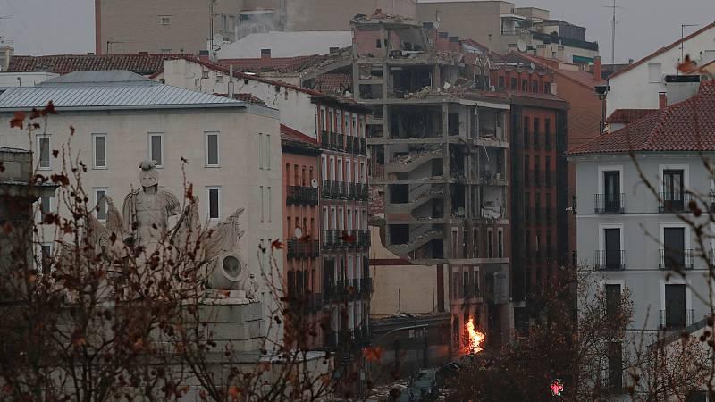 24 horas - Al menos 3 muertos y un desaparecido al explotar parte de un edificio en Madrid - Escuchar ahora