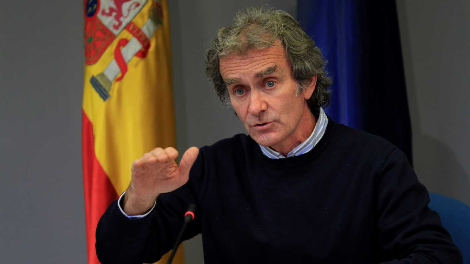 24 horas - España vuelve a batir su récord diario de contagios con 44.357 en 24 horas - Escuchar ahora
