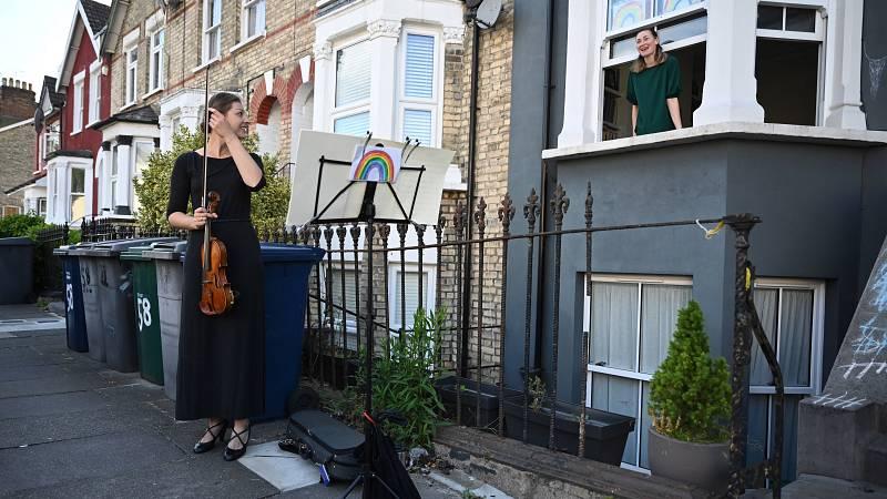 14 horas - Los músicos británicos piden una excepción para poder actuar en Europa - Escuchar ahora