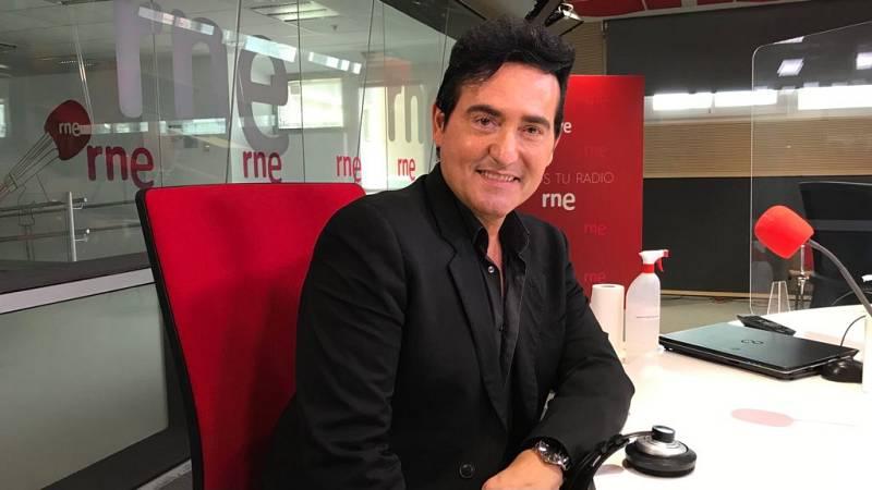 """No es un día cualquiera - Carlos Marín: """"Como solista puedes mostrar más cosas"""" - 'Mano a mano' - 23/01/2021 - Escuchar ahora"""