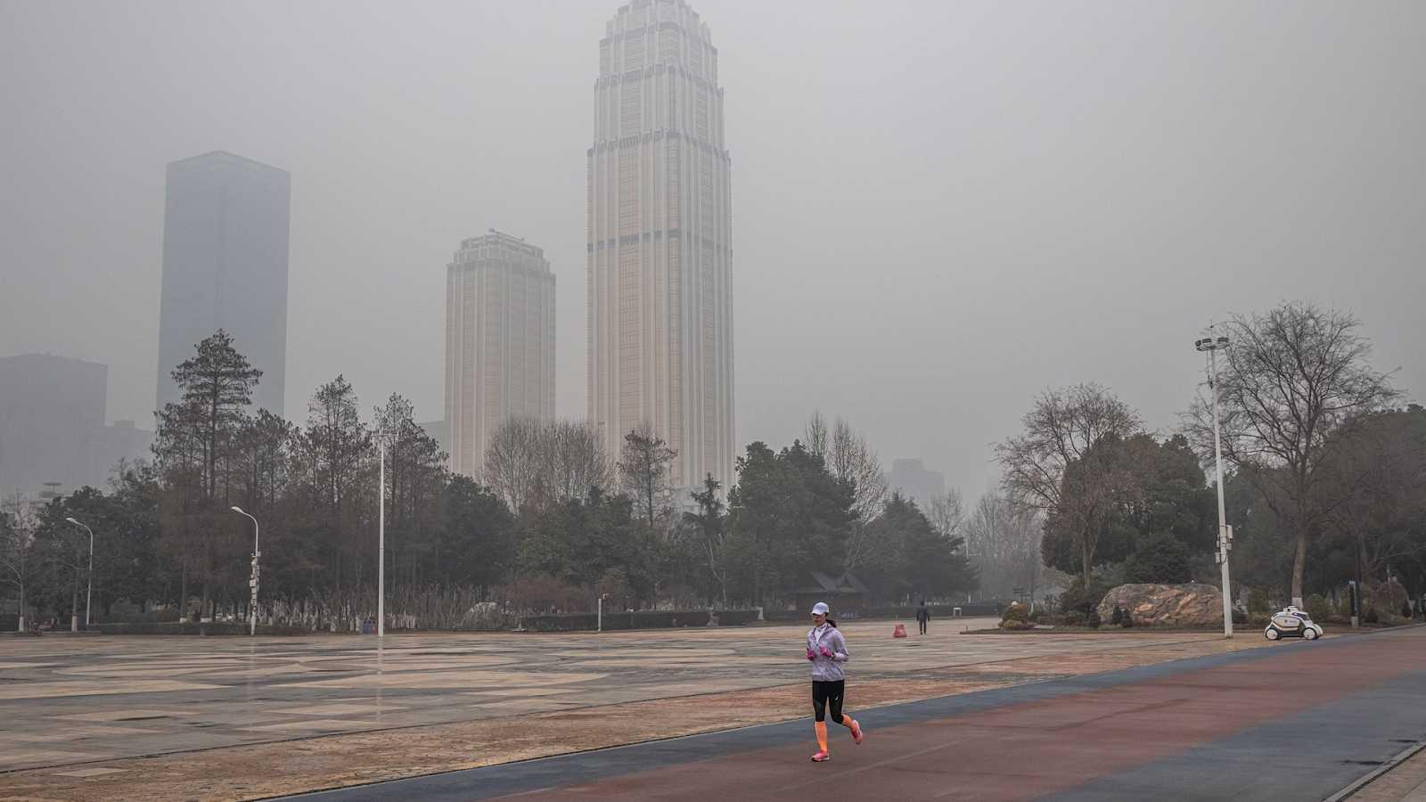 14 horas Fin de Semana - Un año del cierre de Wuhan: el país vigila de cerca los rebrotes - Escuchar ahora