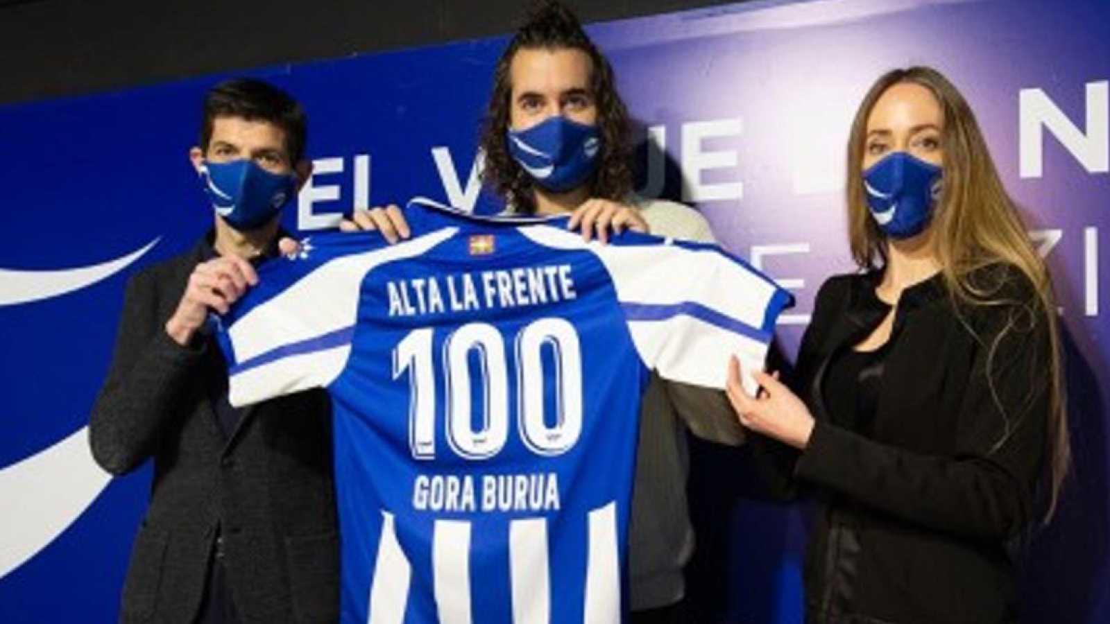 Tablero deportivo - Mikel Izal y el himno del centenario del Deportivo Alavés - Escuchar ahora