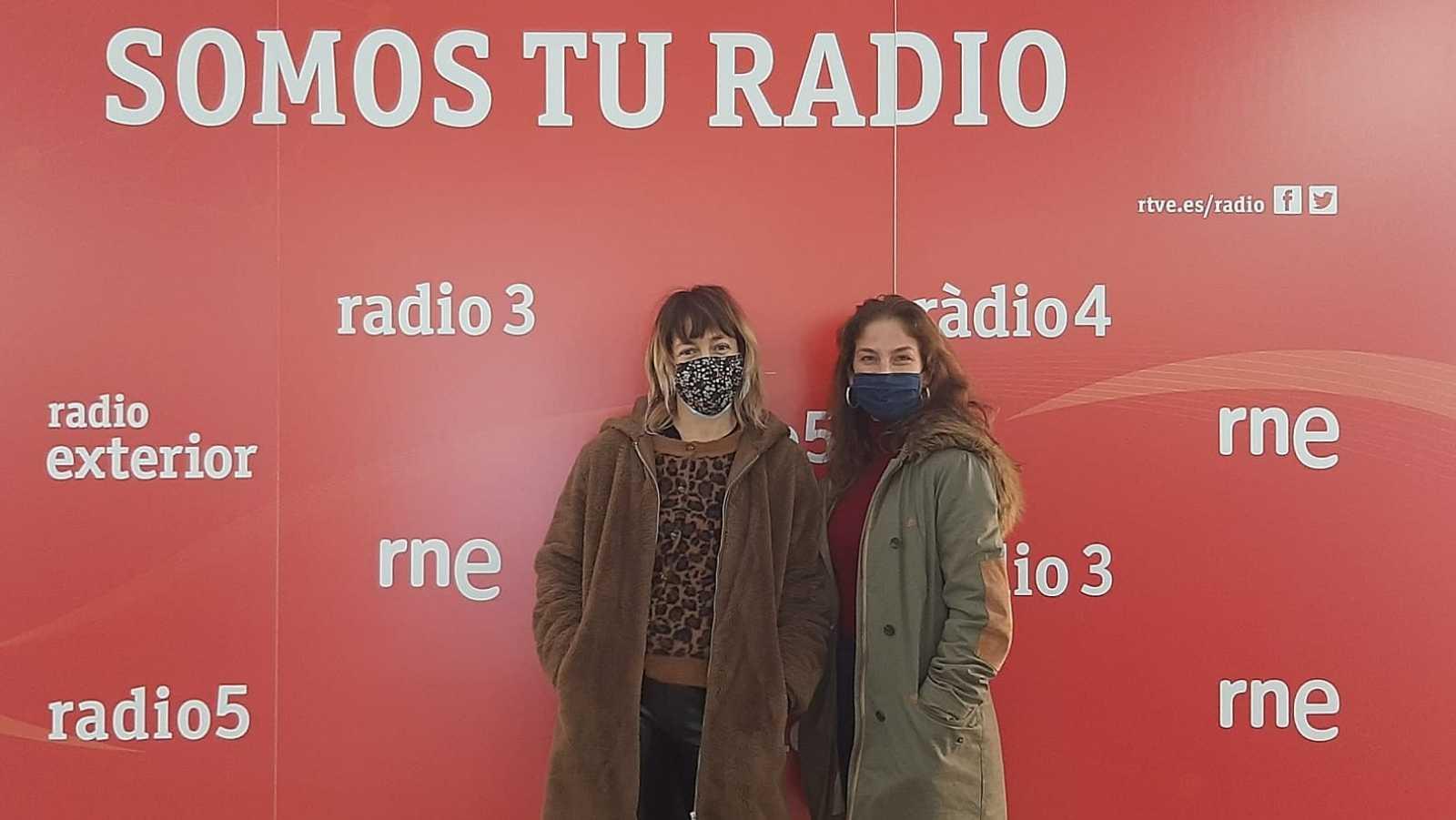 La sala - Luz Arcas ('Toná), Paula Quintana ('Las alegrías') y Olga Baeza - 24/01/21 - Escuchar ahora