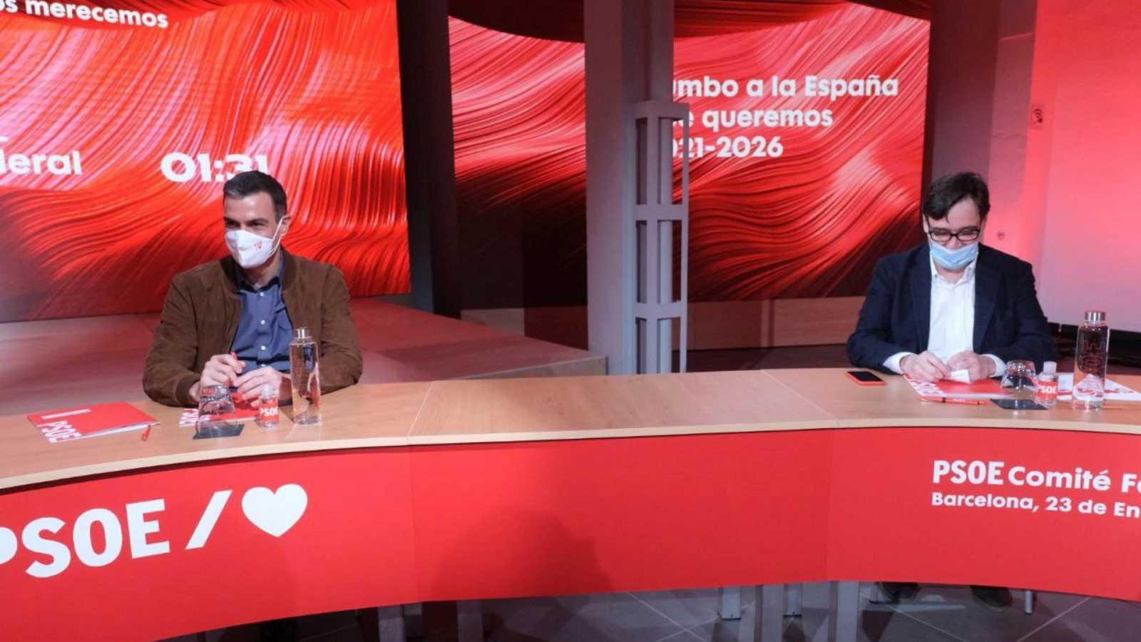 """España a las 8 Fin de Semana - Sánchez presenta a Illa como el candidato de la """"esperanza"""" y se distancia de Iglesias - Escuchar ahora"""