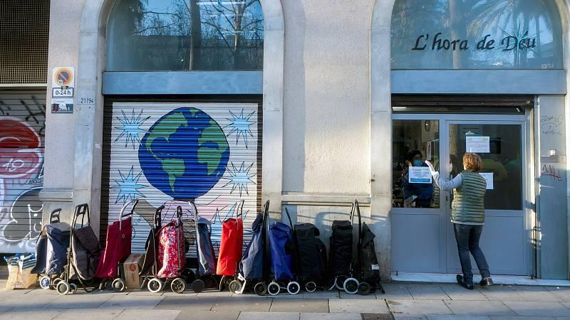 14 horas - La pandemia empuja a la pobreza a 800.000 personas en España, según Oxfam - Escuchar ahora