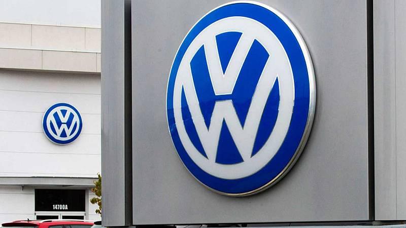 Boletines RNE - Volkswagen, condenada a pagar 16 millones de euros por el caso 'Dieselgate'  - Escuchar ahora