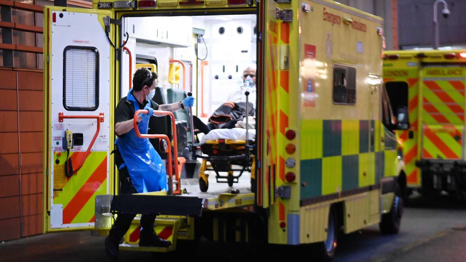 Boletines RNE - Sanidad advierte que la variante británica podría aumentar la letalidad