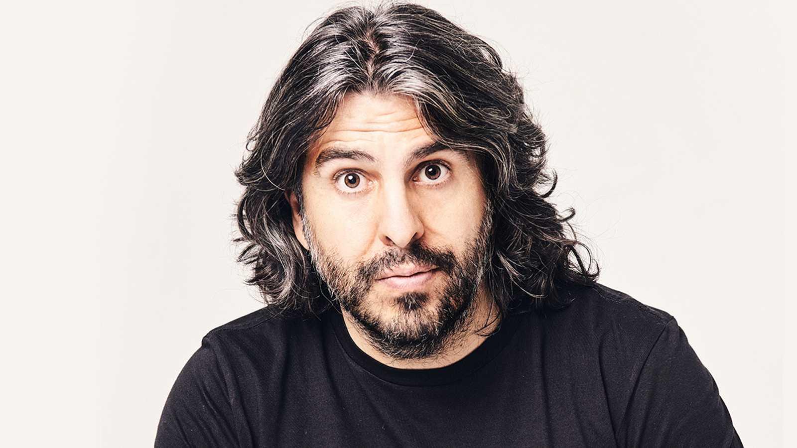 20 entrevistas de humor y una más, desesperada - J. J. Vaquero - Escuchar ahora
