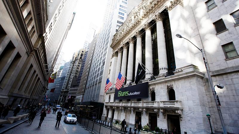 14 horas - La economía de Estados Unidos sufre su mayor caída de 1946 - Escuchar ahora