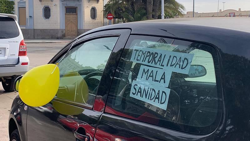 """Boletines RNE - Los interinos protestan contra la precariedad: """"Llevo 24 años trabajando de interina, nunca he sustituido a nadie"""" - Escuchar ahora"""