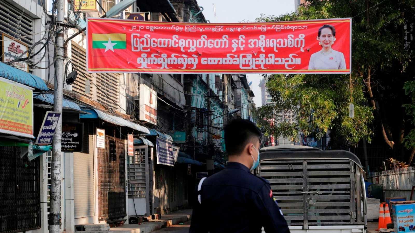 Las mañanas de RNE con Íñigo Alfonso - Golpe de Estado en Myanmar: el Ejército toma el poder tras detener a la Nobel de la Paz Aung San Suu Kyi - Escuchar ahora