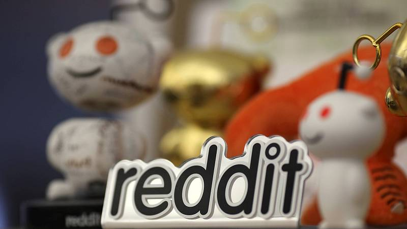 14 horas - Los foreros de Reddit invierten en plata y disparan su precio un 10% - Escuchar ahora