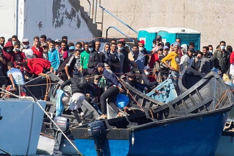 "14 horas - Preocupante escalada de xenofobia en Gran Canaria: ""Es un caldo de cultivo para los discurso de odio"" - Escuchar ahora"