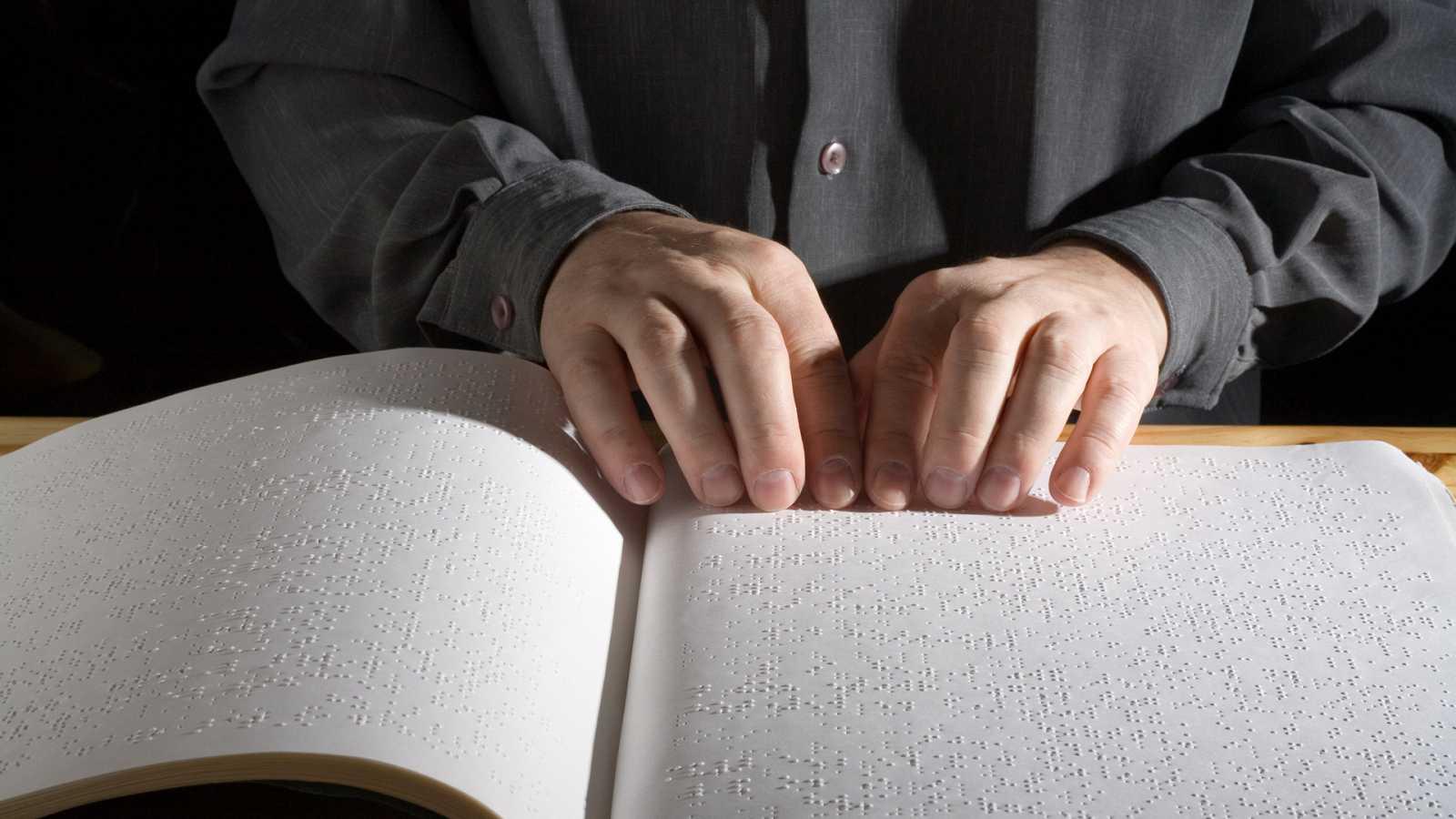 Un idioma sin fronteras - Aprender español siendo ciego: Maciek y Paraskeví - 06/02/21 - escuchar ahora