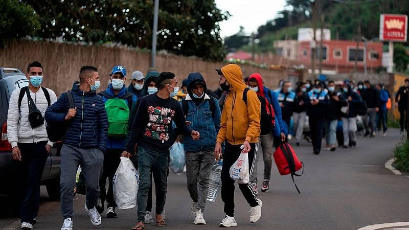 """Las mañanas de RNE con Íñigo Alfonso - CEAR pide al Gobierno que traslade urgentemente a migrantes a la Península para evitar """"un estallido social"""" - Escuchar ahora"""