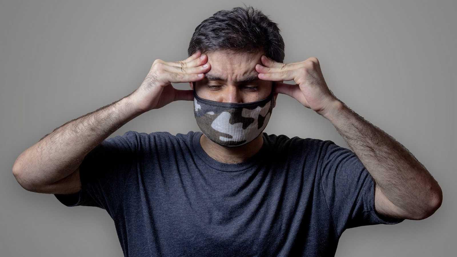 Con bata blanca - Mascarillas y dolor de cabeza - 12/02/21 - escuchar ahora
