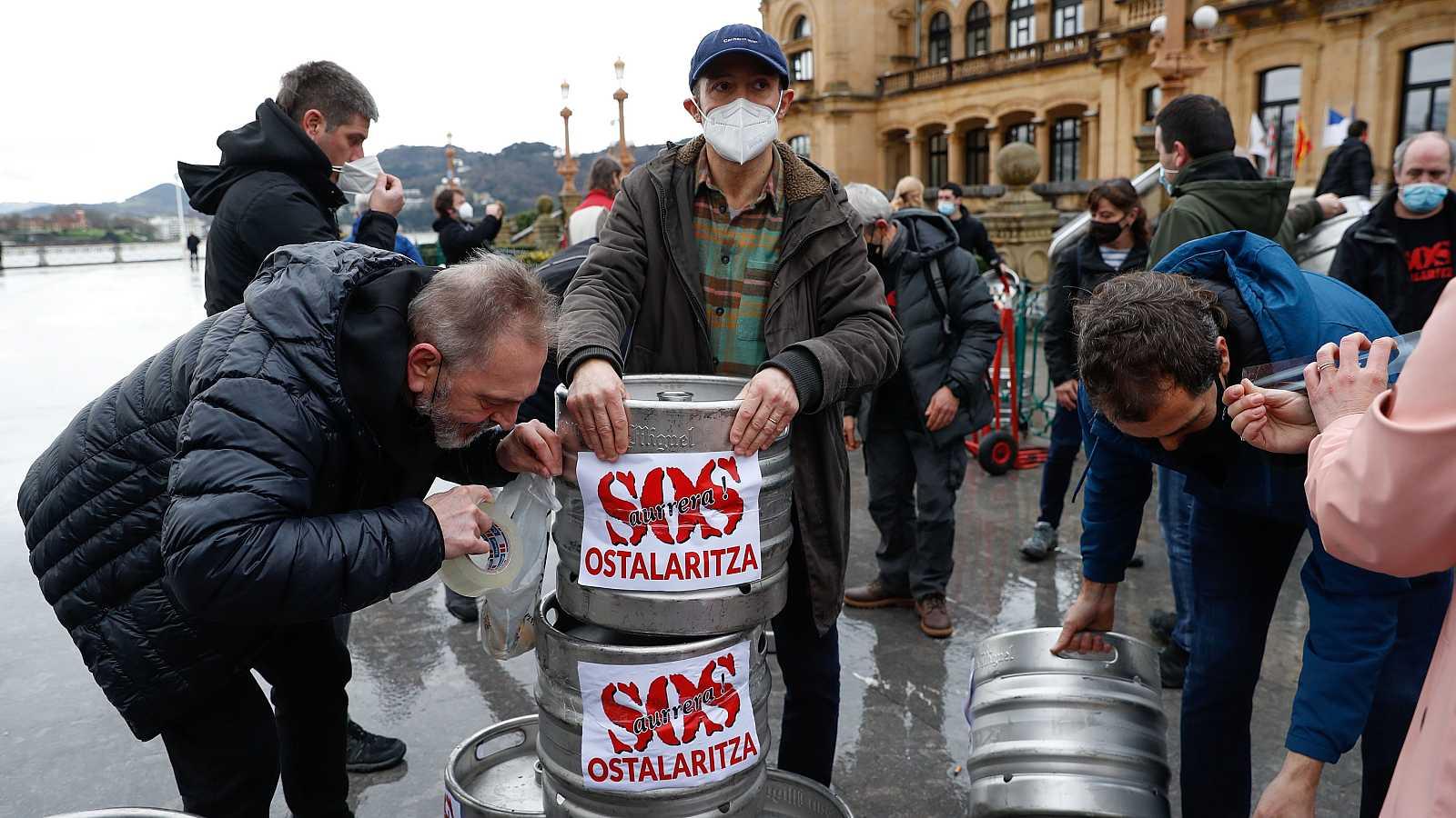 14 horas - La justicia autoriza cautelarmente la reapertura de la hostelería en el País Vasco - Escuchar ahora