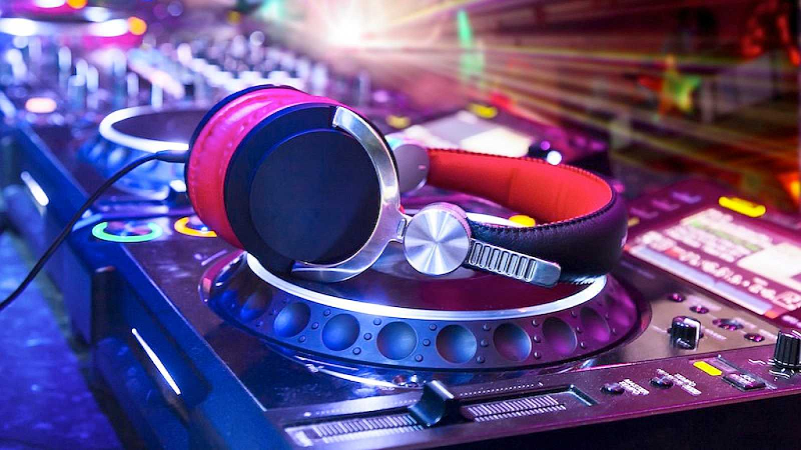 Próxima parada - DANCE del SÁBADO - 27/02/21 - escuchar ahora