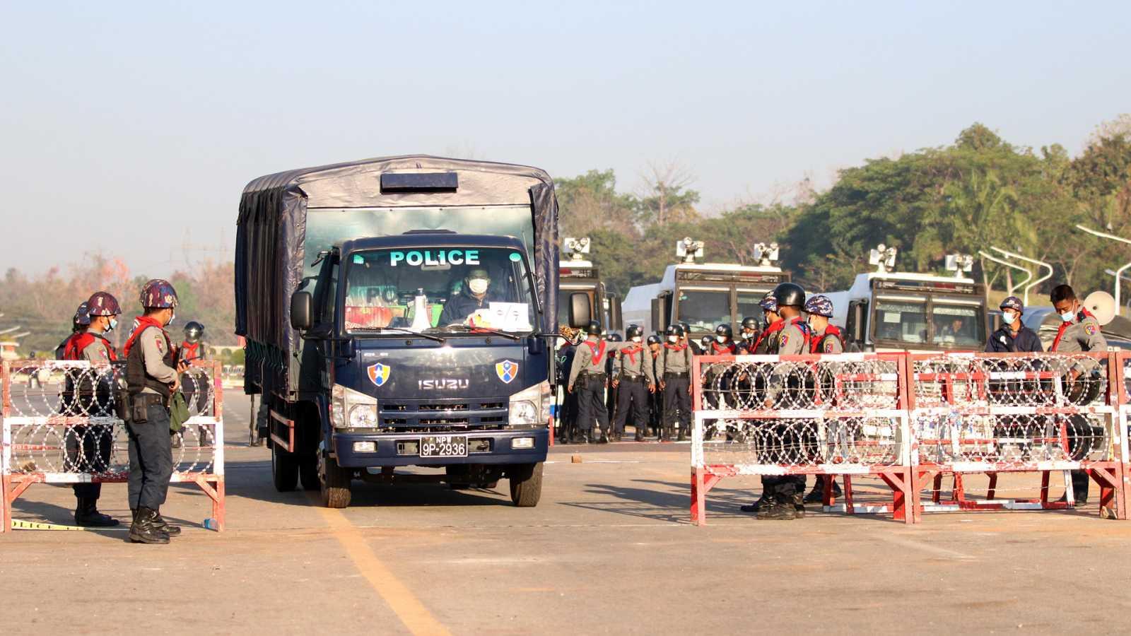 Asia hoy - Represión de las protestas en Birmania - 10/02/21 - escuchar ahora