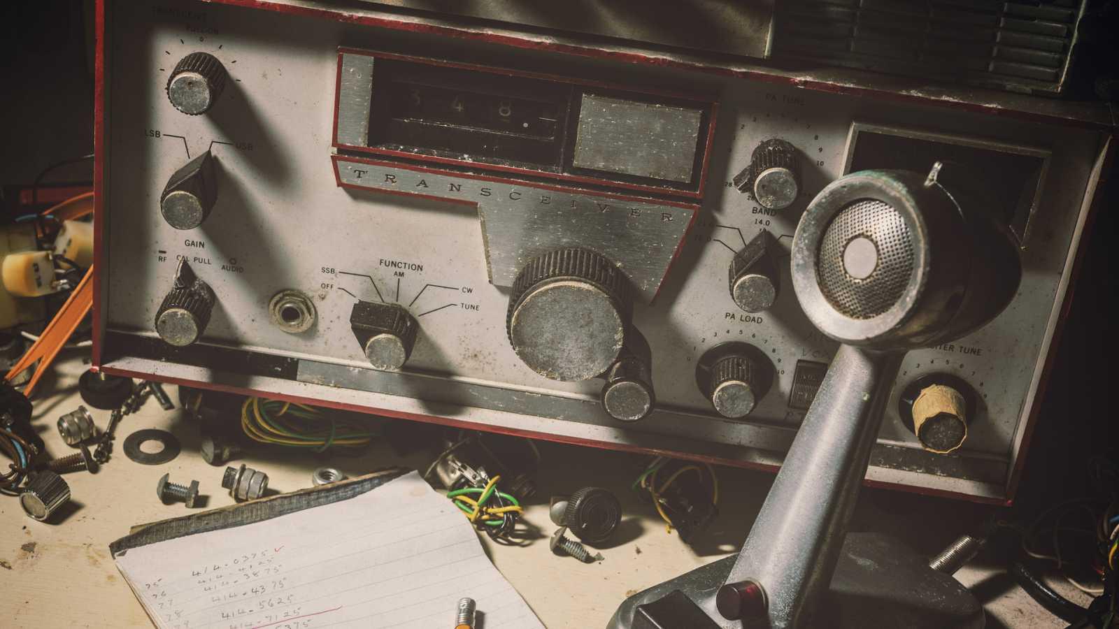 Por tres razones - Lo que la radio nos ha enseñado - 12/02/21 - escuchar ahora