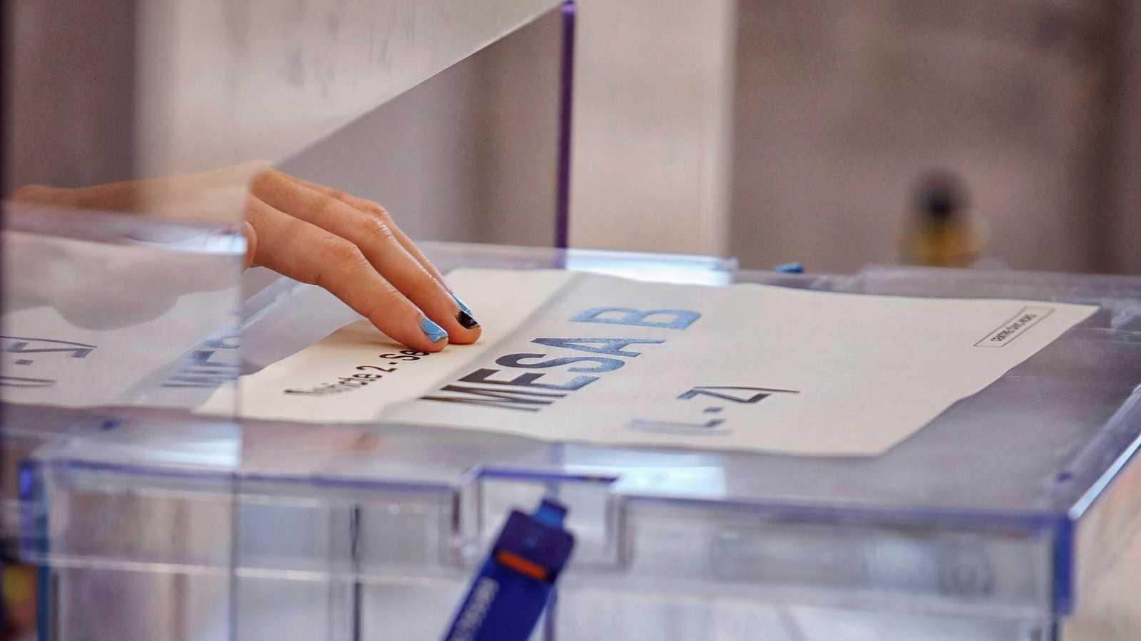 14 horas Fin de Semana - Elecciones en Cataluña: Los candidatos trasladan su confianza en las medidas de seguridad para la jornada electoral y llaman a la participación - Escuchar ahora