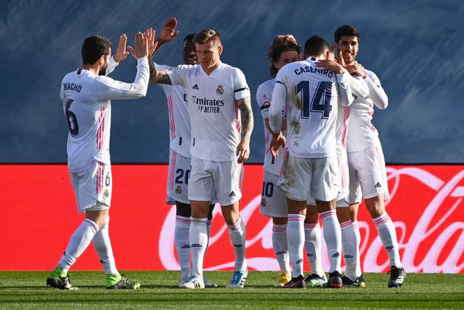 Tablero deportivo - El Real Madrid le complica la vida al Valencia CF - Escuchar ahora