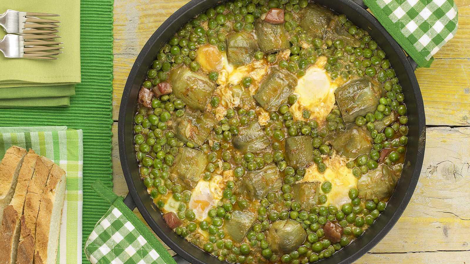 Comer y cantar - Cazuela de guisantes y alcachofas con huevo - 19/02/21