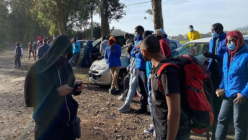 14 horas - Decenas de migrantes denuncian las malas condiciones de los campamentos de acogida en Canarias - Escuchar ahora
