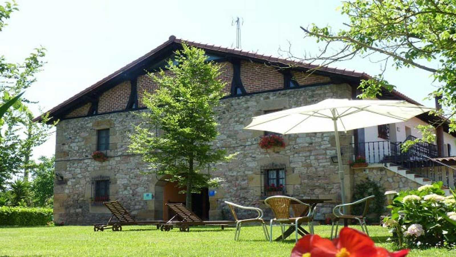 En clave Turismo - Mejor Hotelero de Turismo con Encanto: Ramón Oliden de casa rural Jesuskoa - 19/02/21 - escuchar ahora