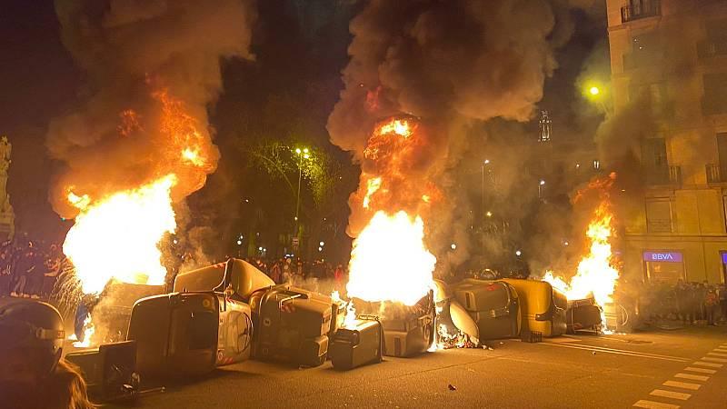 24 horas - Cuarta noche de incidentes en Cataluña que reclaman la libertad de Hasel - Escuchar ahora