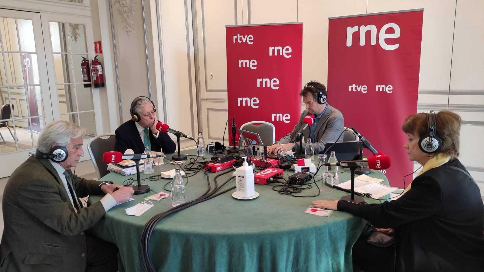 Las mañanas de RNE con Íñigo Alfonso - Los periodistas del Congreso de RTVE de 1981 recuerdan cómo vivieron el 23F - Escuchar ahora