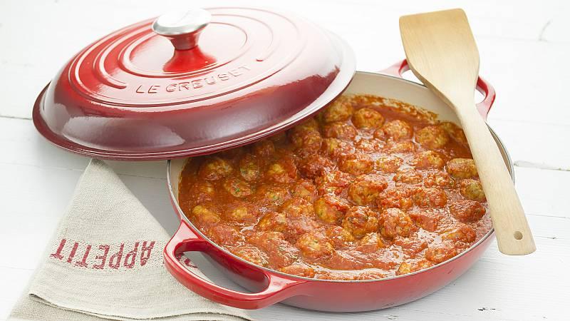 Comer y cantar - Albóndigas en salsa de tomate y verduras - 26/02/21 - Escuchar ahora